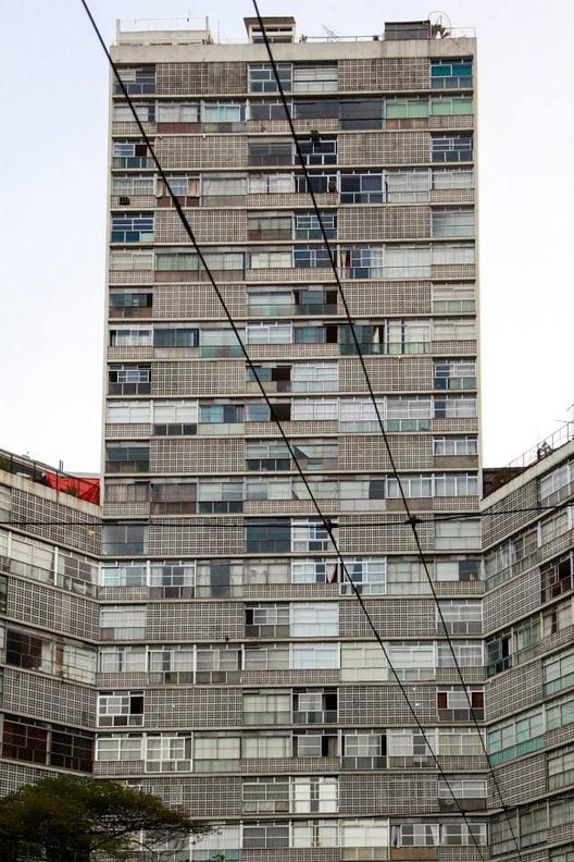 Edificio_eiffel__oscar_niemeyer_1956