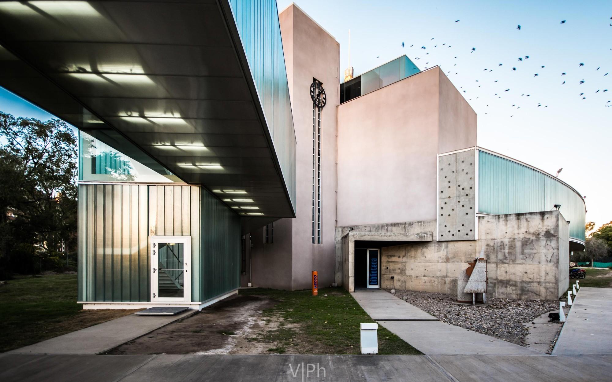 Emilio Caraffa Fine Arts Museum / GGMPU Arquitectos + Lucio Morini, © Gonzalo Viramonte