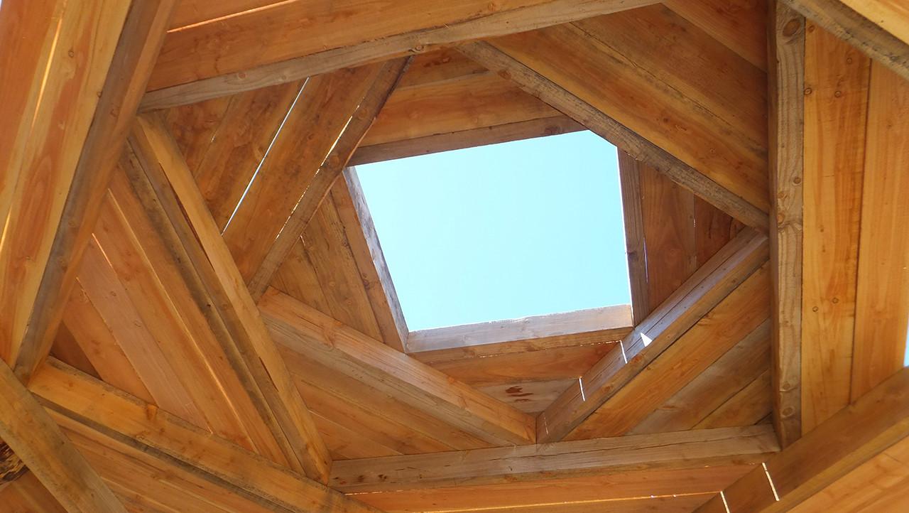 En detalle morfolog as de techos archdaily m xico for Ventanas para techos planos argentina