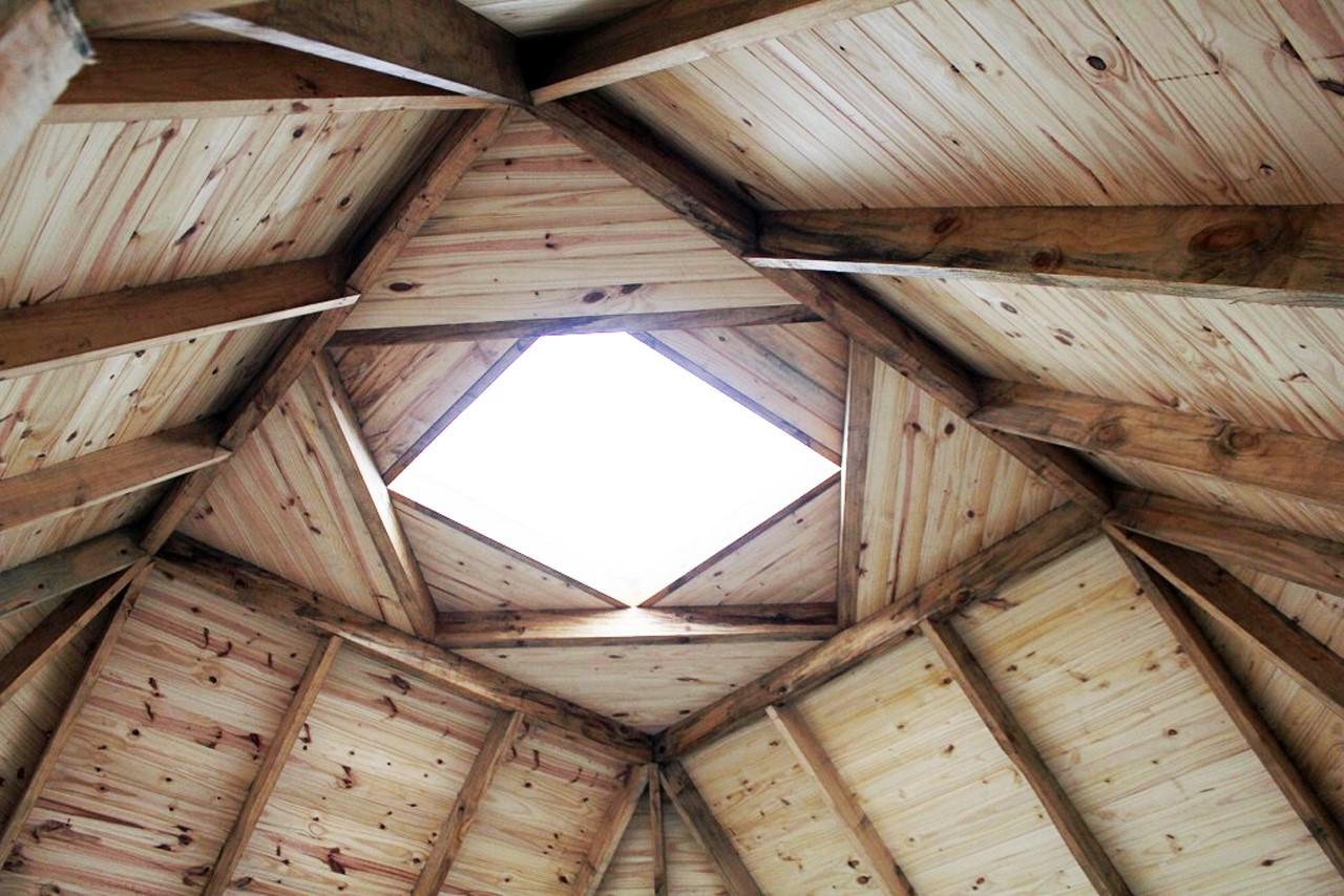 En detalle morfolog as de techos plataforma arquitectura for Figuras en el techo