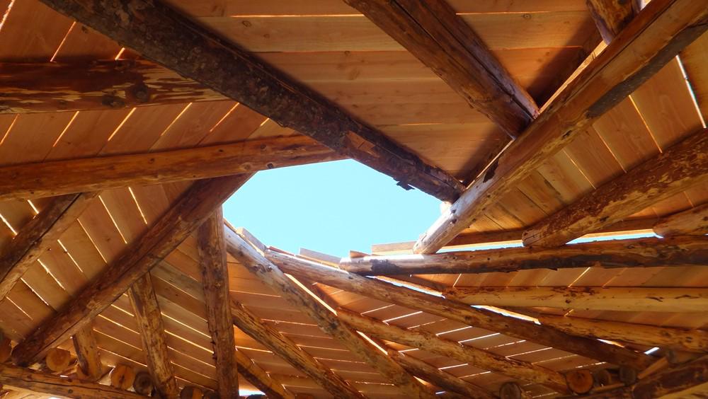En detalle morfolog as de techos plataforma arquitectura - Cambiar vigas de madera ...