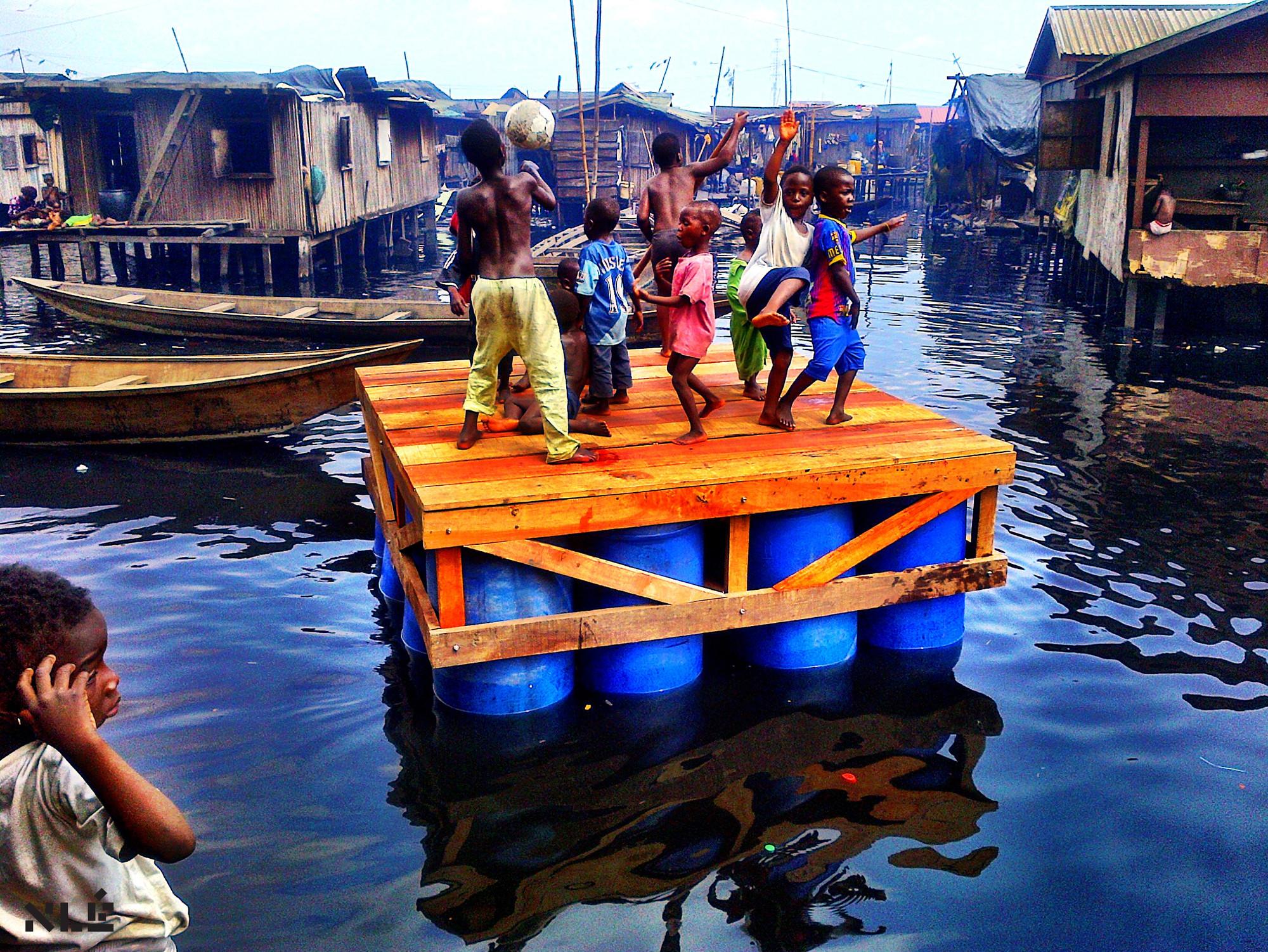 """Reveja os episódios da série """"Rebel Architecture"""" produzida pela Al Jazeera, Favela de Makoko, Lagos, Nigéria. Image Cortesia de Cortesia de Al Jazeera"""