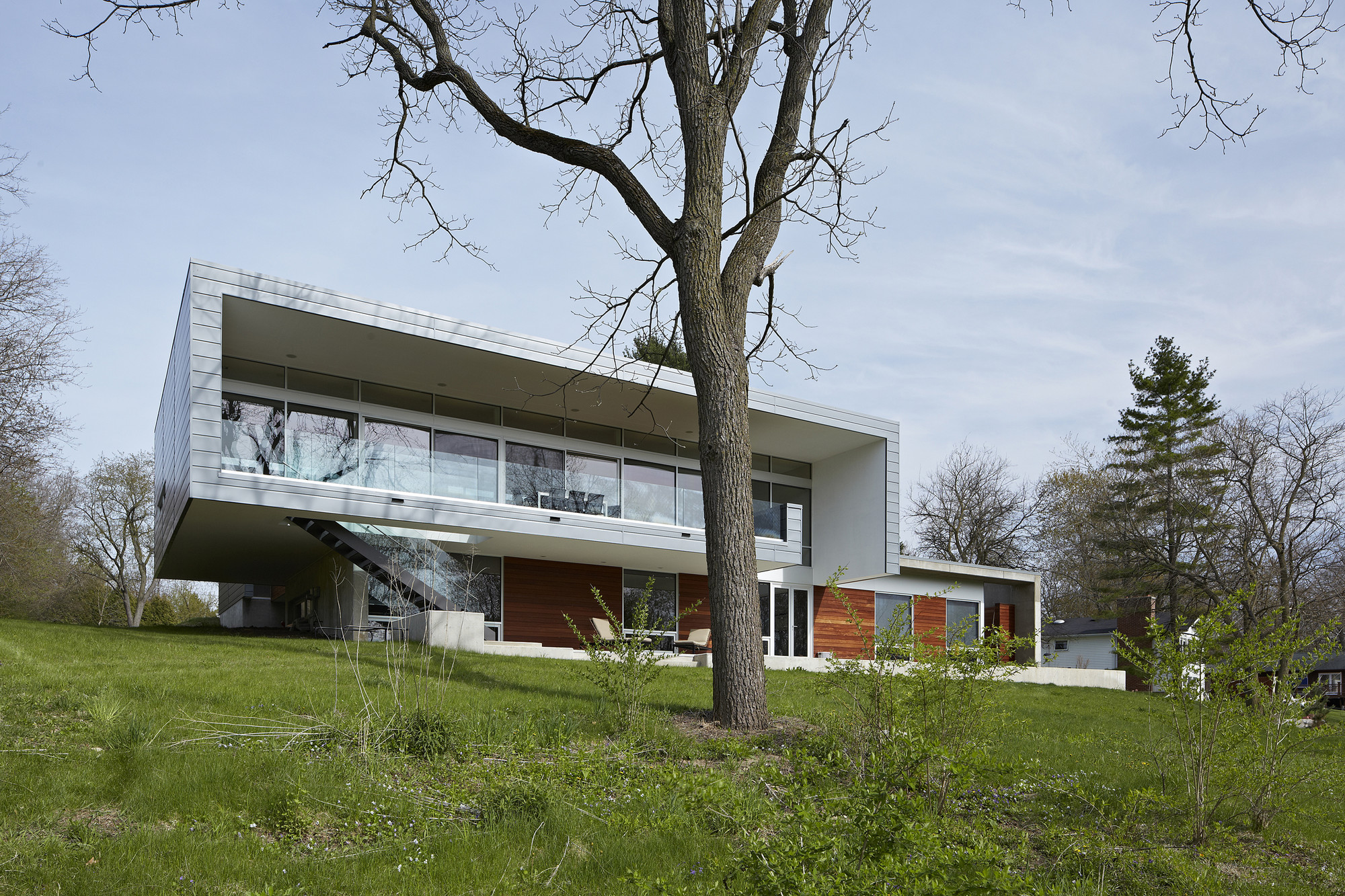 galer a de casa con vista al r o studio dwell architects 4. Black Bedroom Furniture Sets. Home Design Ideas