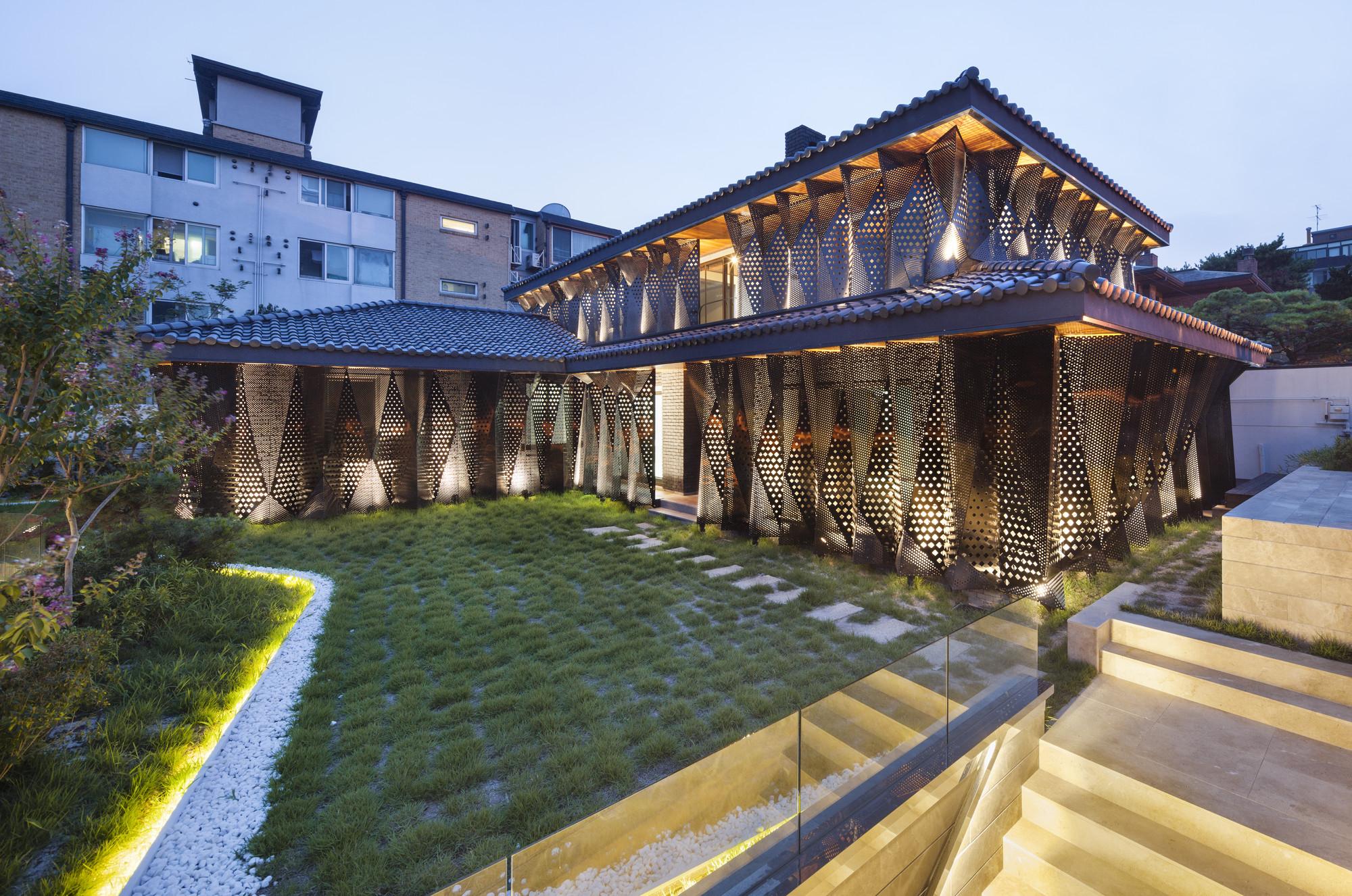 Gallery of Casa Geometrica / JOHO Architecture - 12