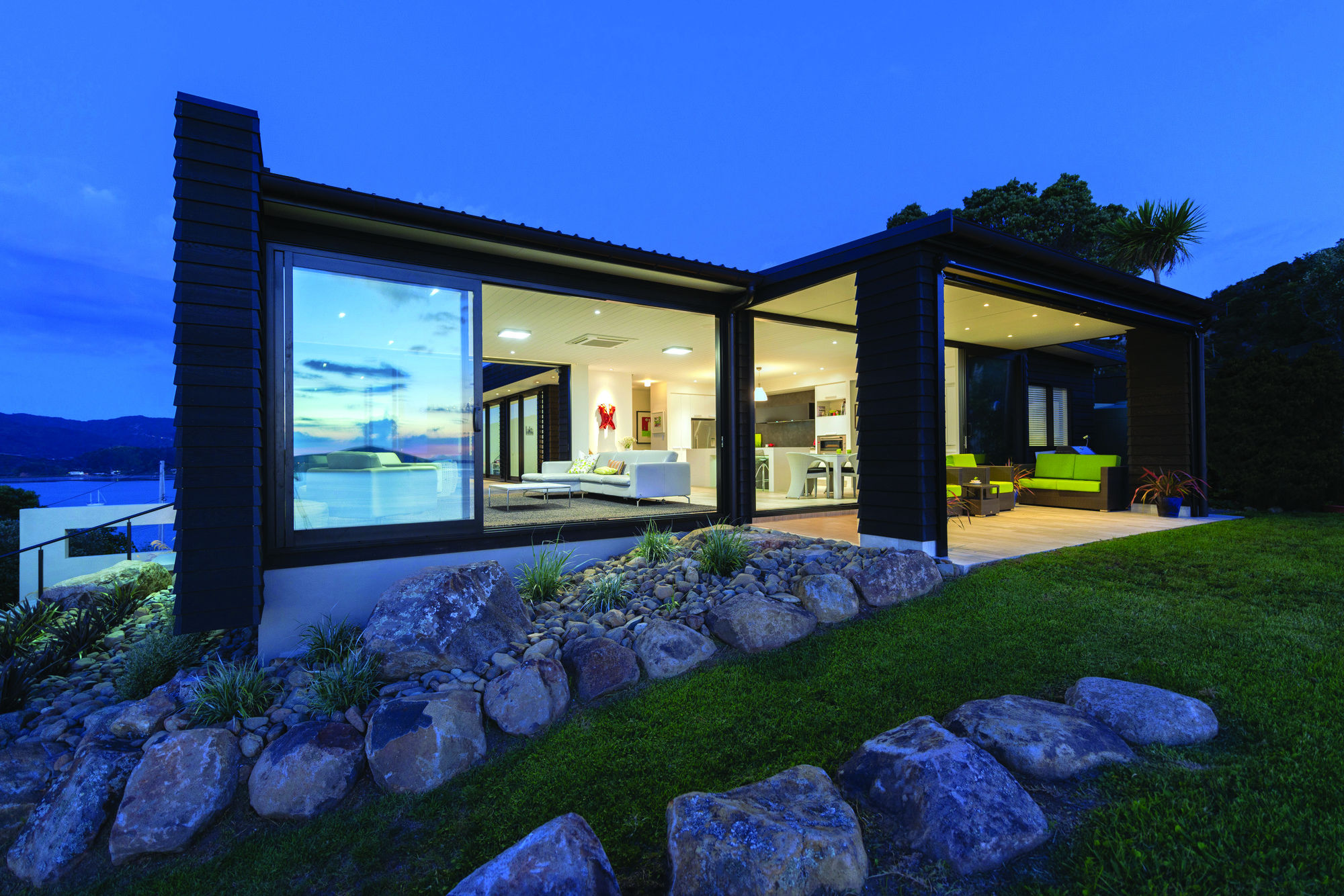 Gallery of Red Architecture Wins Top New Zealand Prize for ...