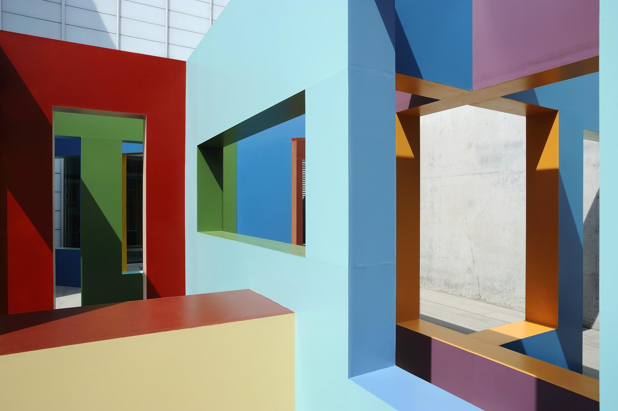 Dwelling: la construcción de estructuras laberínticas y lúdicas por Krijn de Koning