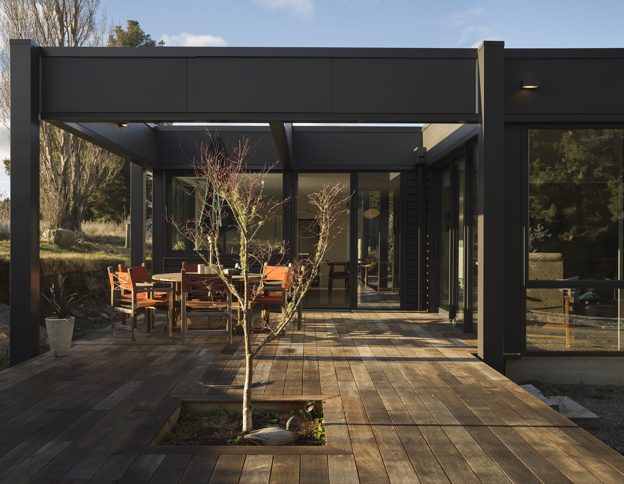 Olive Grove House / Team Green Architects