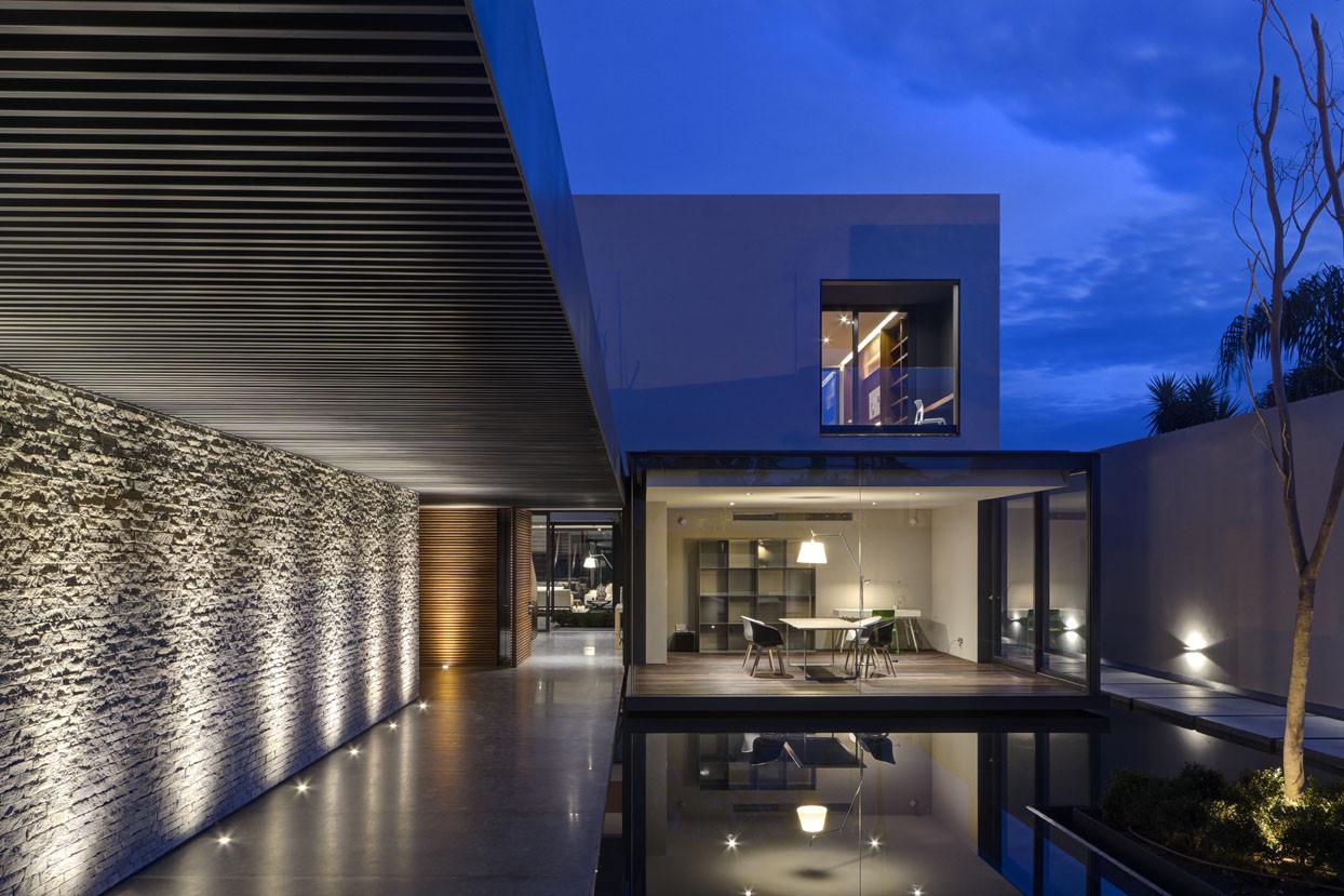 Galer a de casa la el as rizo arquitectos 5 for Apliques de iluminacion para exteriores
