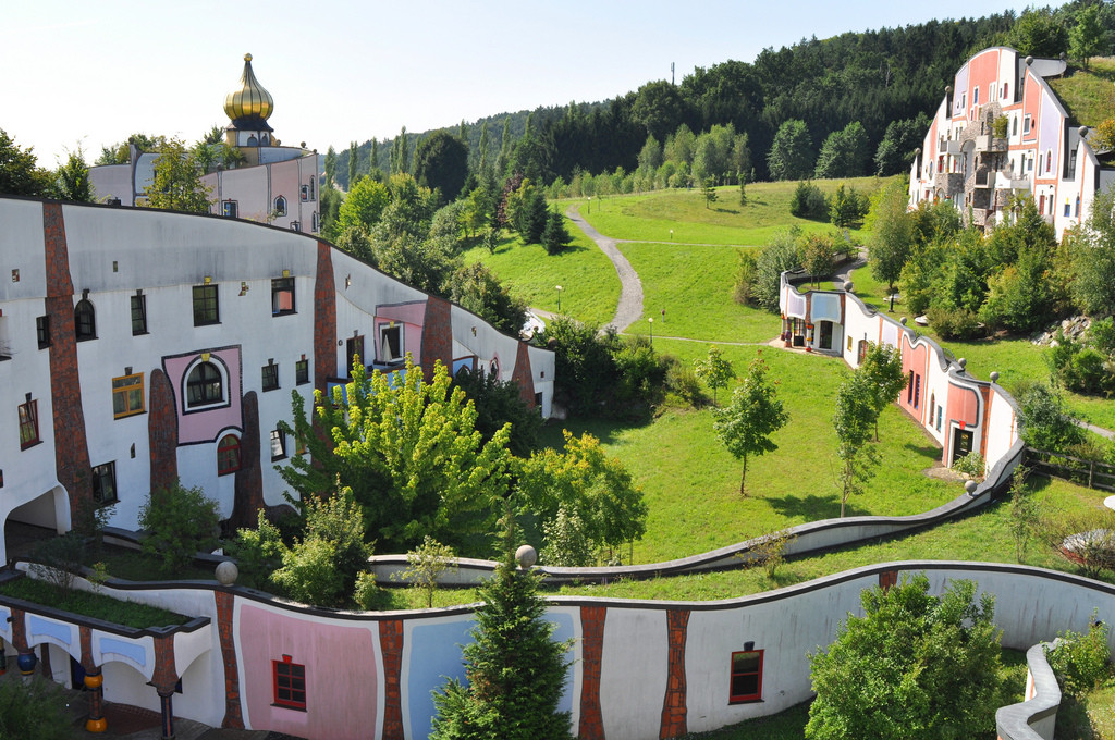 The Latest 99% Invisible: Hundertwasser and His Fight Against the Godless Line, Hot Springs Village, Bad Blumau, Styria, Austria. Image © Flickr CC User Enrico Carcasci