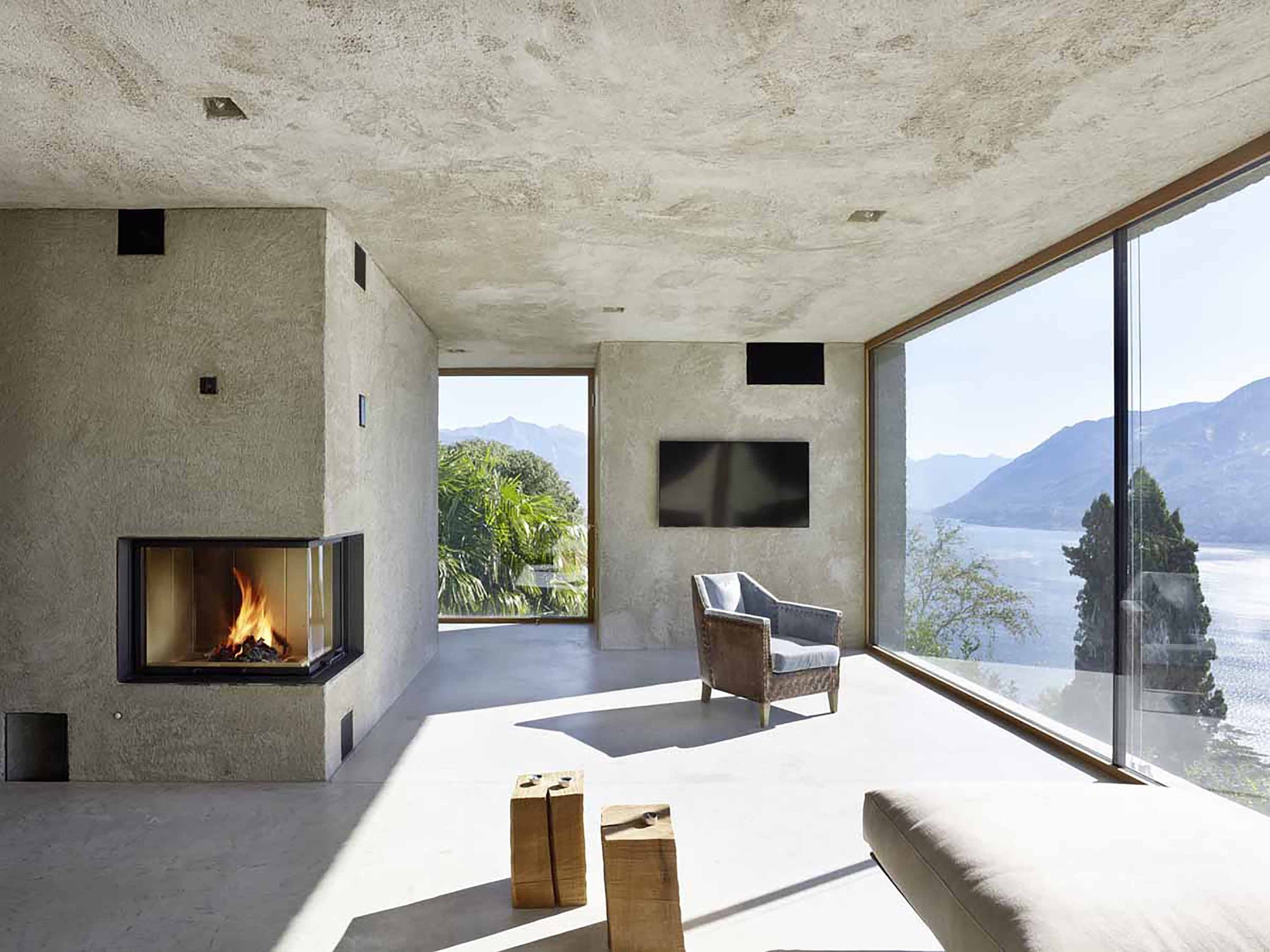 House in Brissago  / Wespi de Meuron Romeo architects, © Hannes Henz