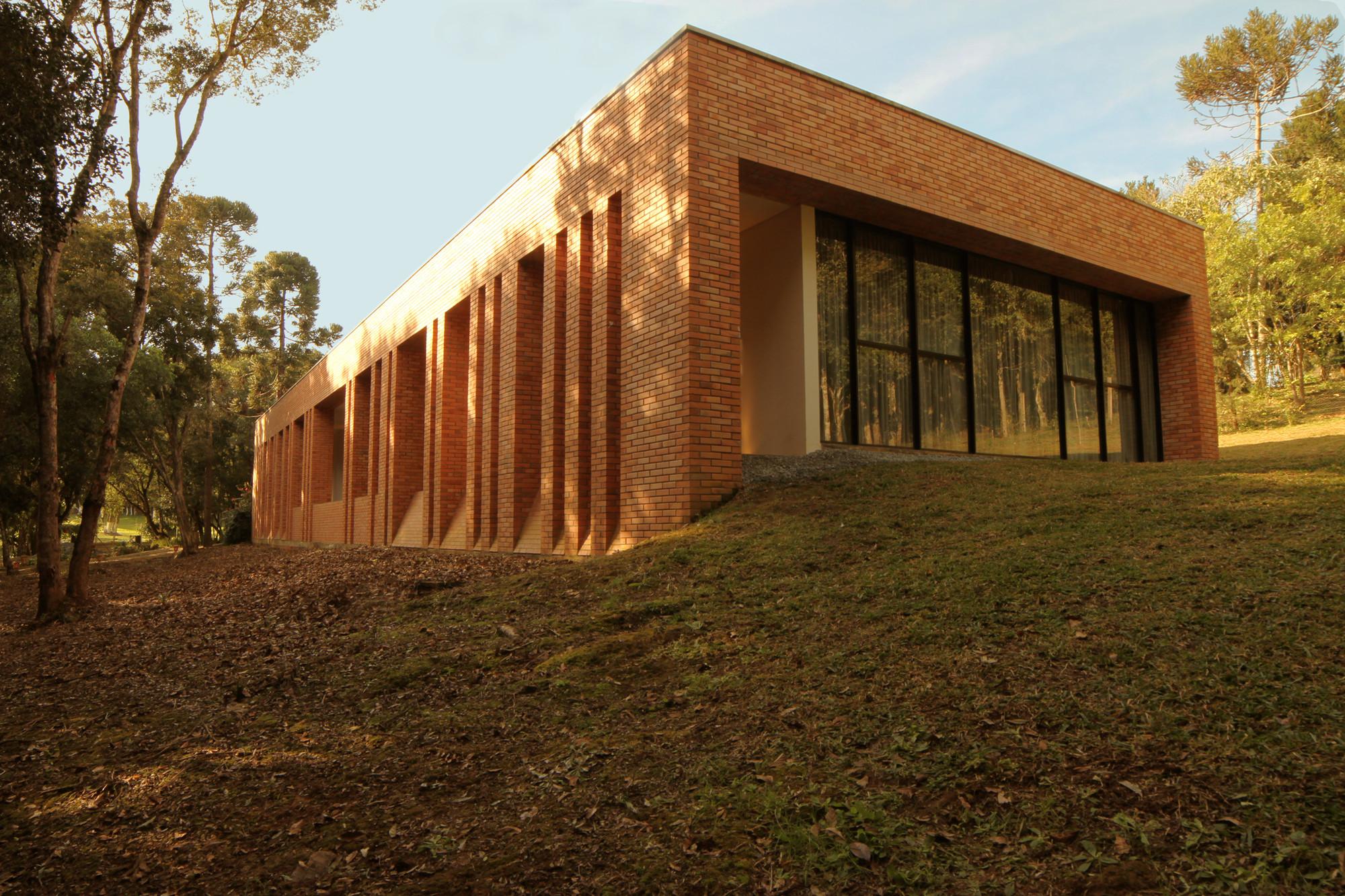 Casa Michelle / Yuri Vasconcelos Arquitetura