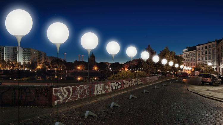 Lichtgrenze: 8 mil balões iluminados ao longo do Muro de Berlim, Lichtgrenze (render) via  Chicago Tribune