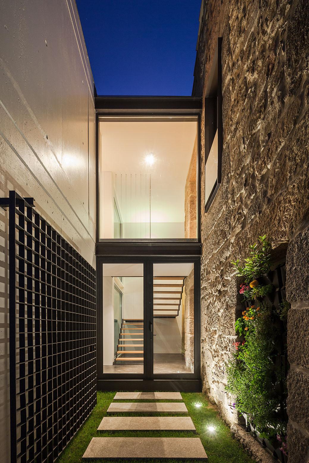 Gallery of ja house maria ines costa filipe pina 17 for Arquitectura moderna casas