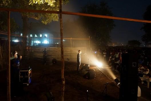 Public performance in Kisangani. Image © Studios Kabako