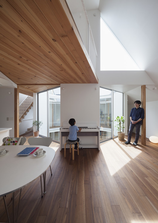 Detached Floor House / Jun Yashiki & Associates, © Makoto Yoshida / Nikkei Architecture