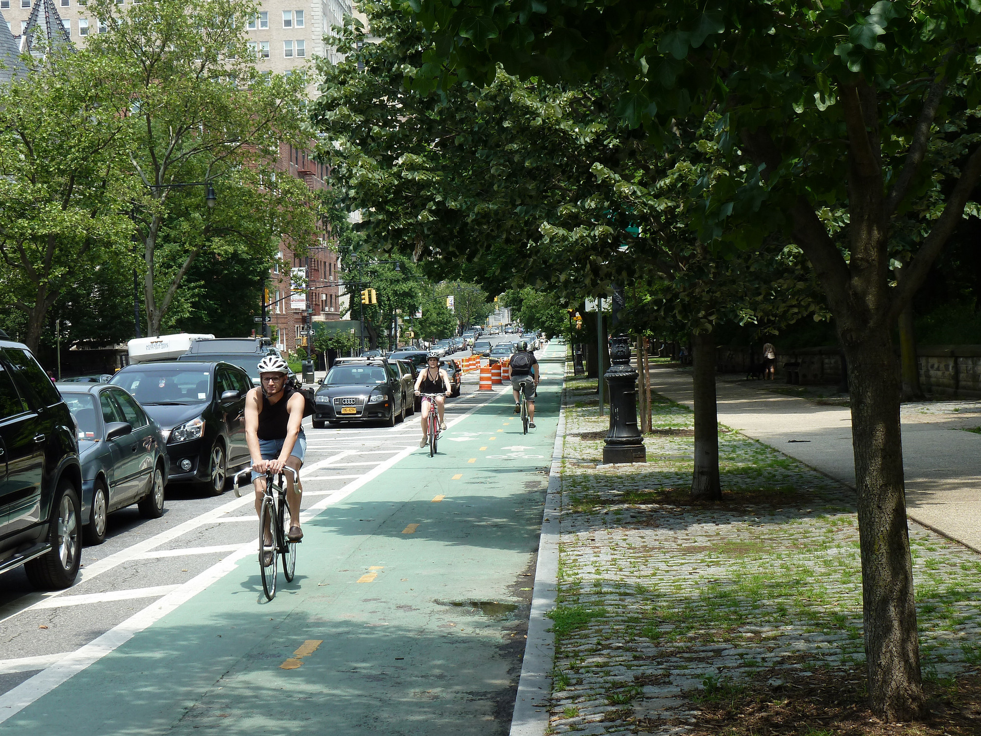 Guia de Desenho Urbano de Ciclovias: Conselhos da organização NACTO para um ciclismo urbano eficiente e seguro