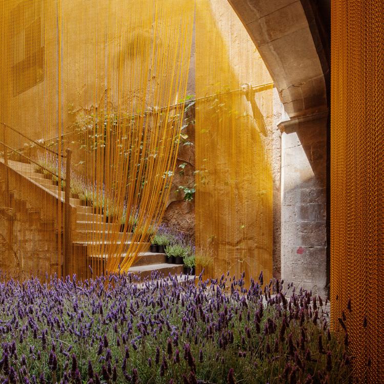 MOSCA / Sarquella + Torres Arquitectes, © Joan Guillamat