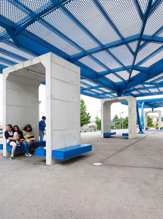 Pr au patio cubierto de escuela primaria arqx for Cultivos verticales definicion
