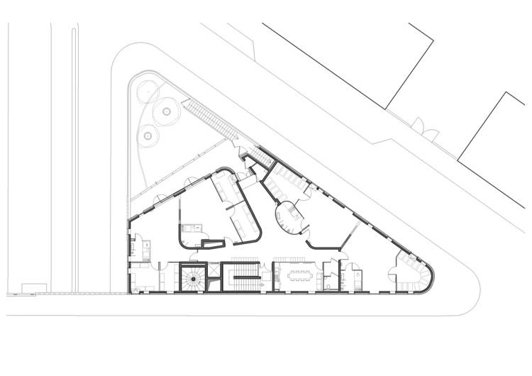 Paris quai de l 39 oise agence vea architects archdaily House plans for triangular lots