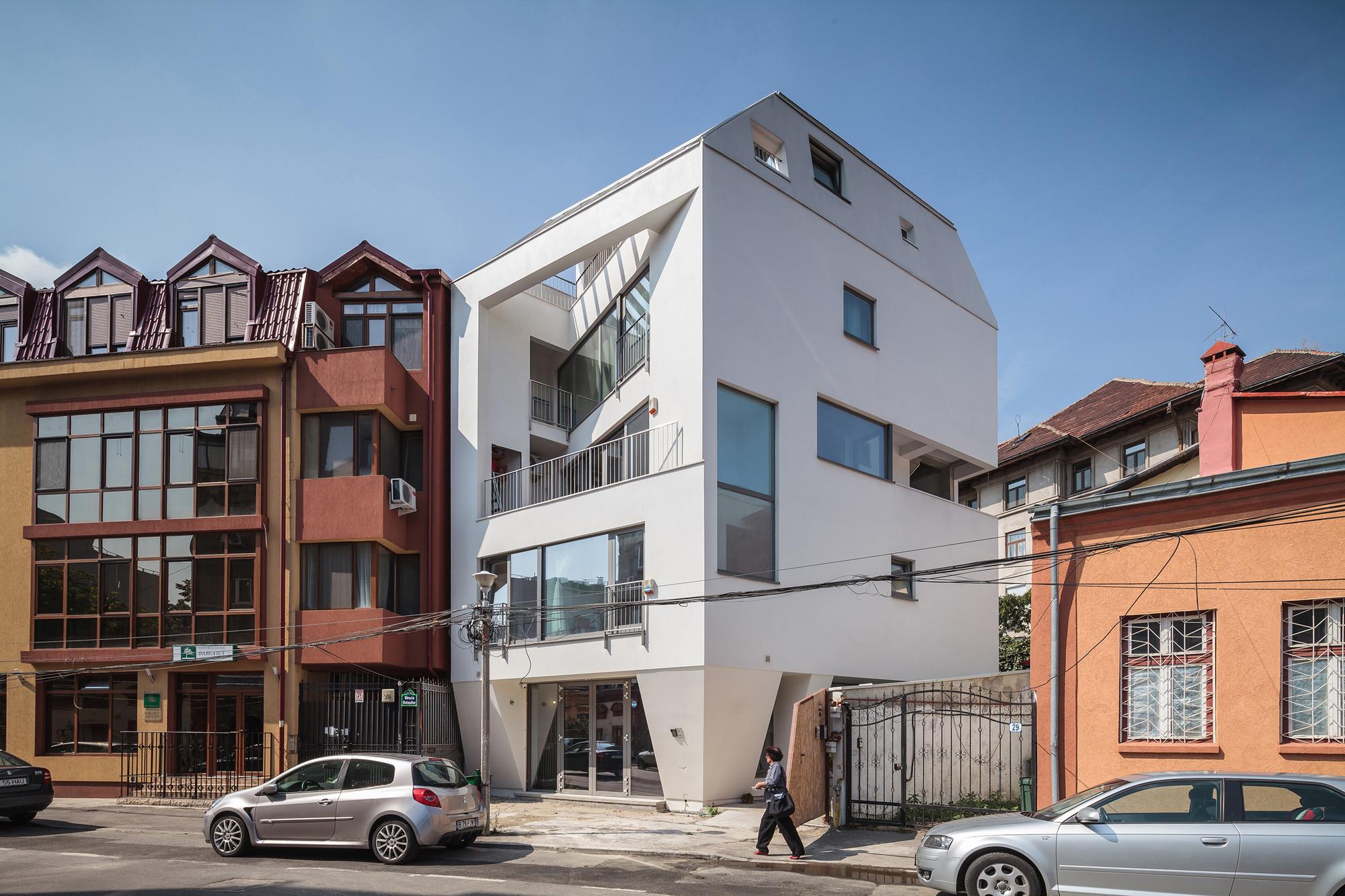 O House  / SYAA, © Cosmin Dragomir