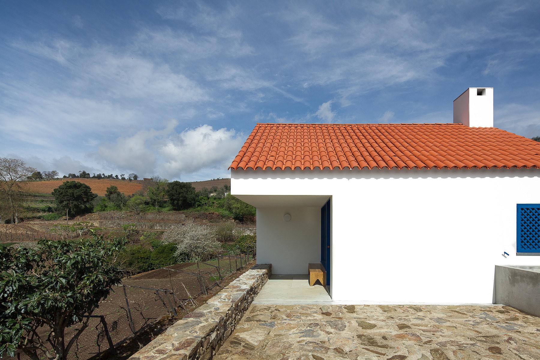 Casa dos Caseiros / SAMF Arquitectos