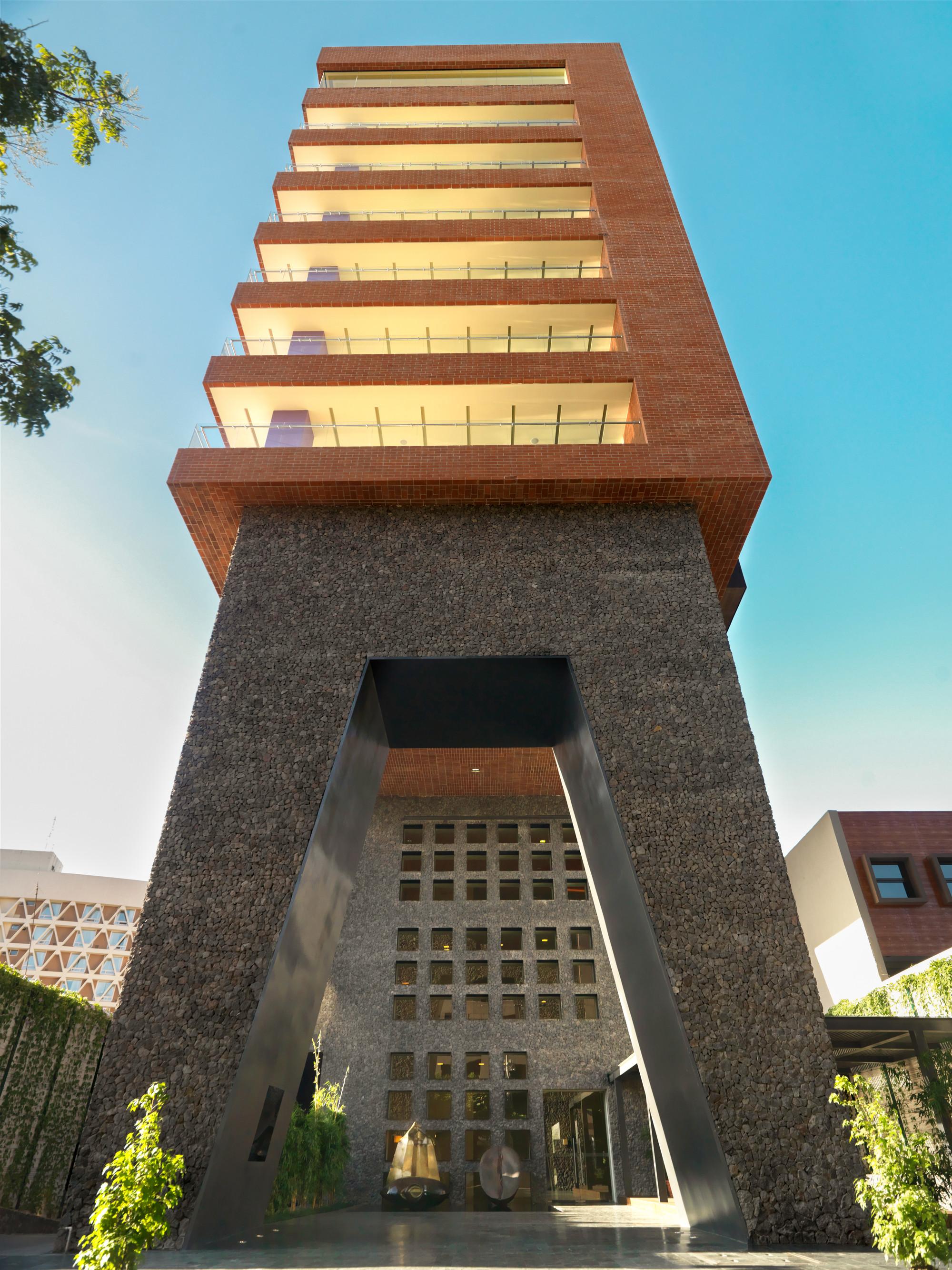 Galeria de terraesperanza legorreta legorreta 5 for Casa minimalista guatemala