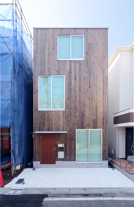 Design Your Own Home With MUJI's Prefab Vertical House, Courtesy of MUJI