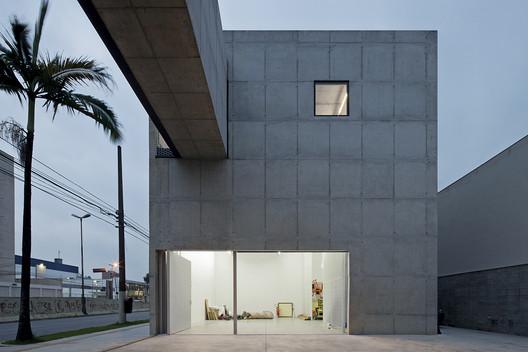 New Leme Gallery. Image © Leonardo Finotti