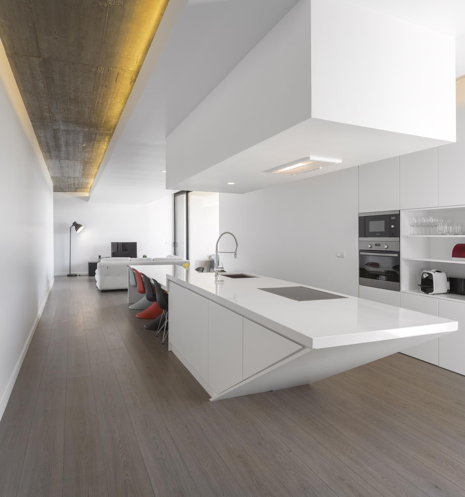 Tomar Hill House / Contaminar Arquitectos | ArchDaily