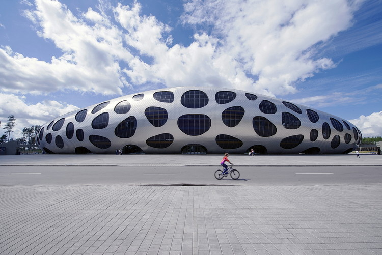 Estadio de Futbol Arena Borisov / OFIS Architects, © Tomaz Gregoric