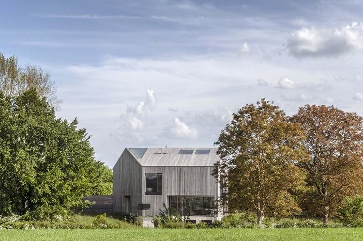 Casa en Oxfordshire / Peter Feeny Architects, © Rafael Dubreu