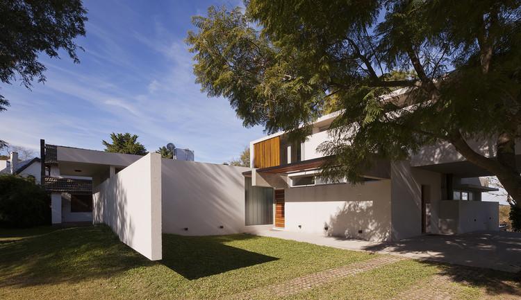 Casa lottersberger estudio irigoyen navarro arquitectos - Estudio 3 arquitectos ...