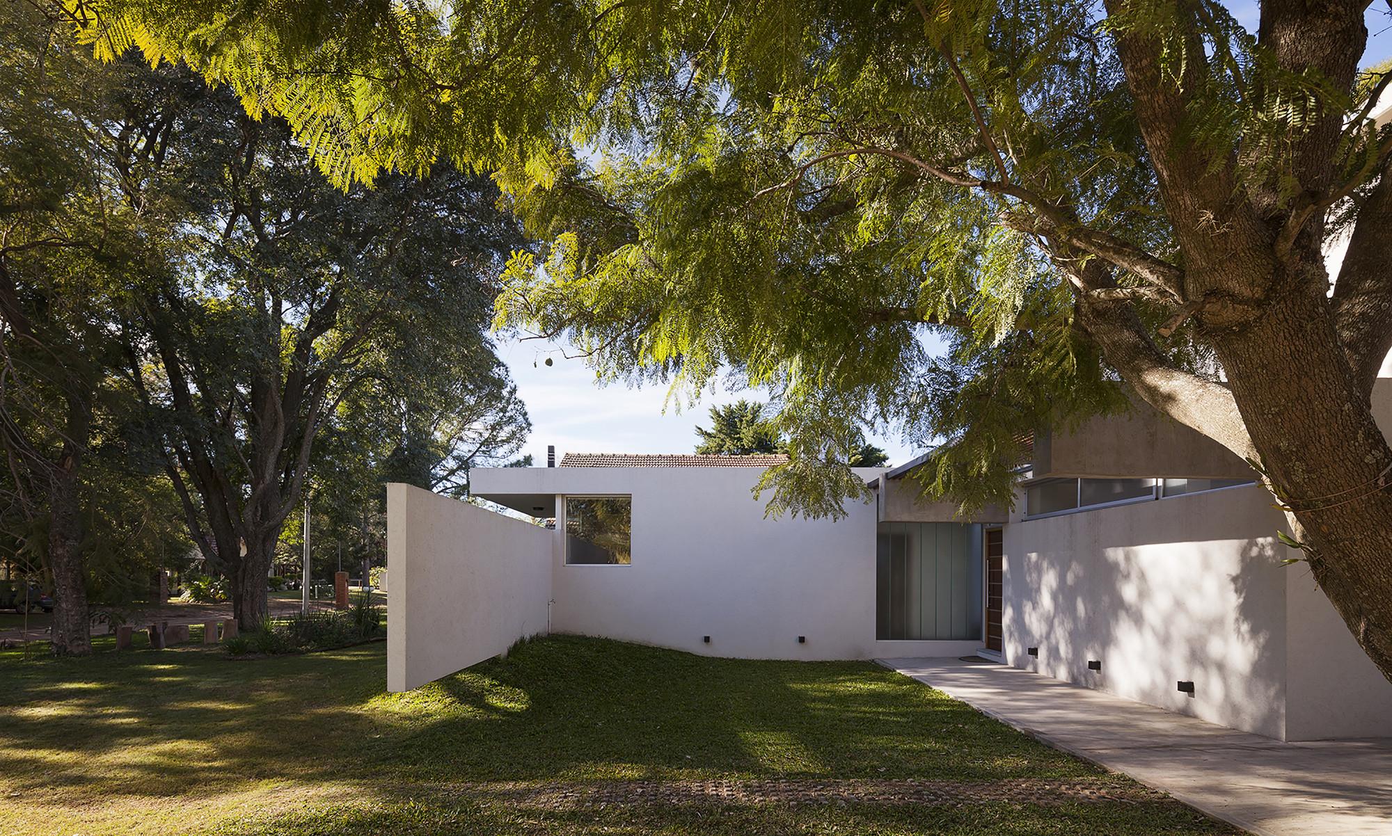 Lottersberger House / Estudio Irigoyen, Navarro Arquitectos, © Federico Cairoli