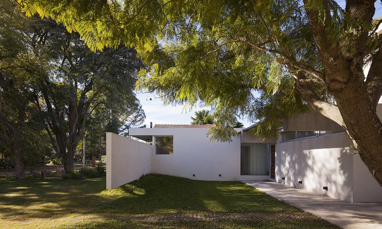 Casa Lottersberger / Estudio Irigoyen, Navarro Arquitectos, © Federico Cairoli