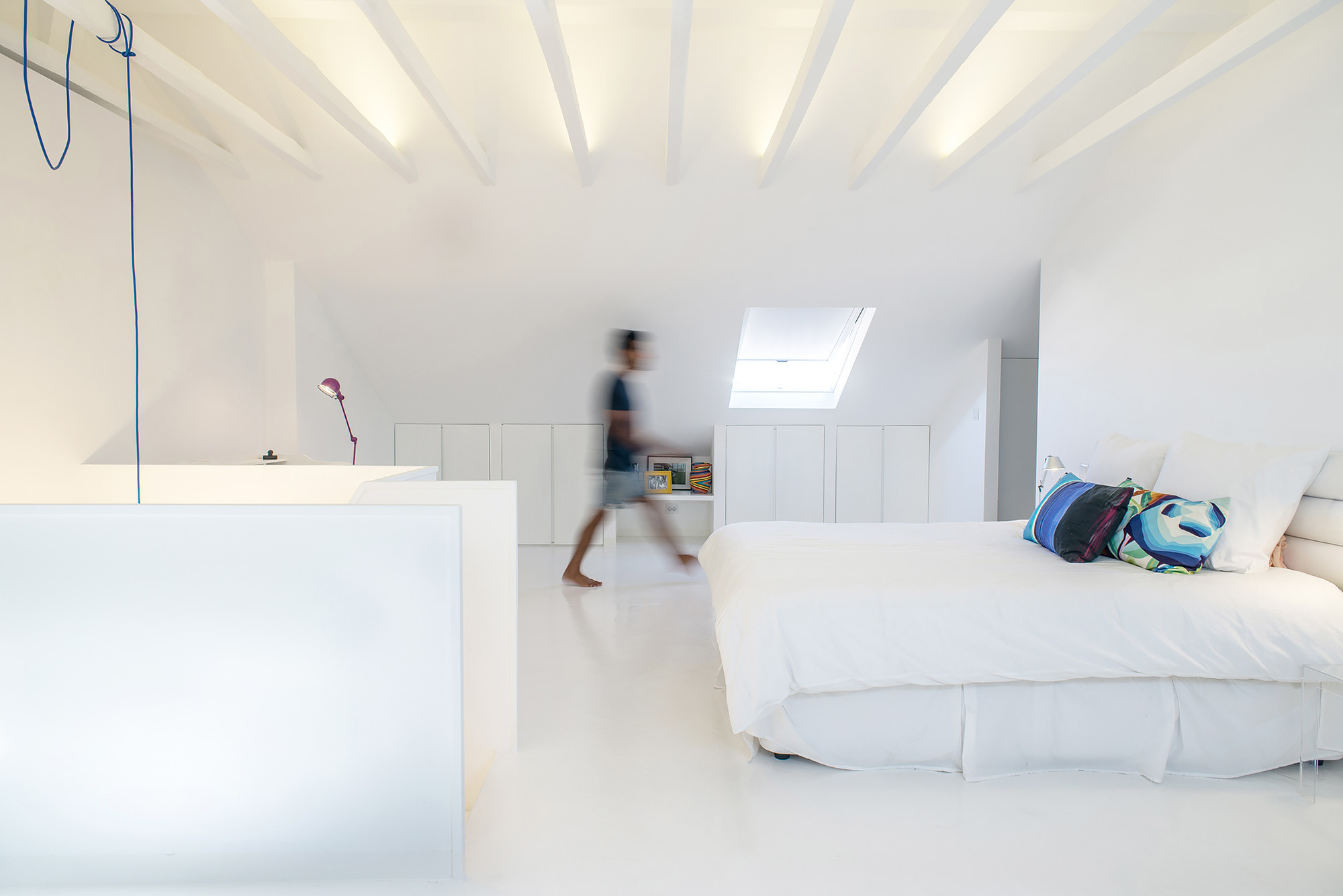 White Attic  / Diogo Passarinho + Duarte Caldas, © More is Better