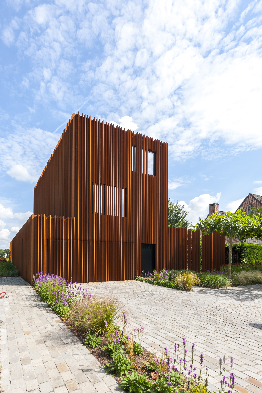 The Corten House Dmoa Architecten Archdaily