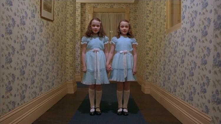Cinema e Arquitetura: 13 cenas assustadoras que um arquiteto não pode deixar de ver, Cena do filme O Iluminado (1980) - Stanley Kubrick
