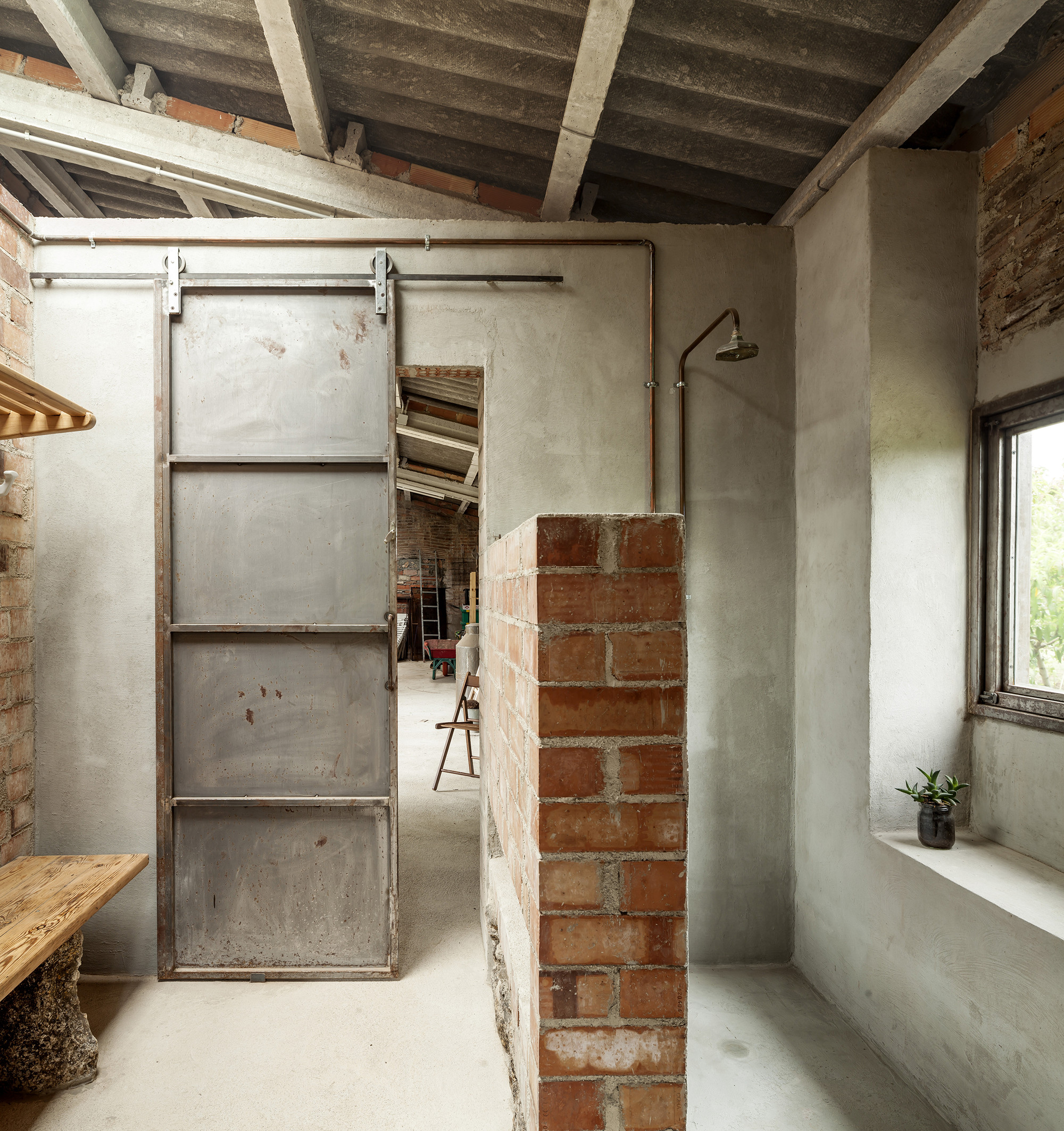 Gallery of Dressing room for a garden with a pond / Clara Nubiola - 5