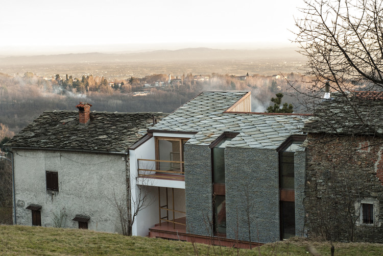 Alpine Foothills House / deamicisarchitetti, Courtesy of Deamicisarchitetti