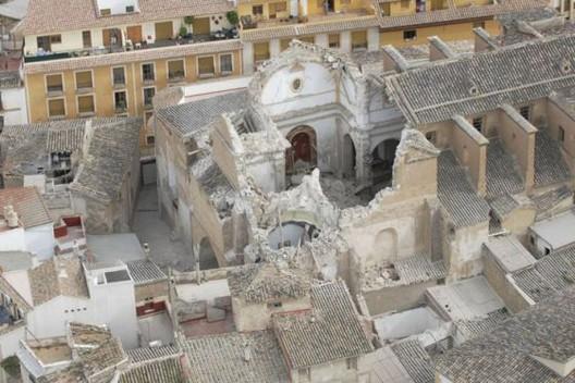 España: Estudio BAB, Premio Nacional de Patrimonio 2014, Iglesia de Santiago, destruida por el terremoto de Lorca en 2011. Image © BAB Arquitectos