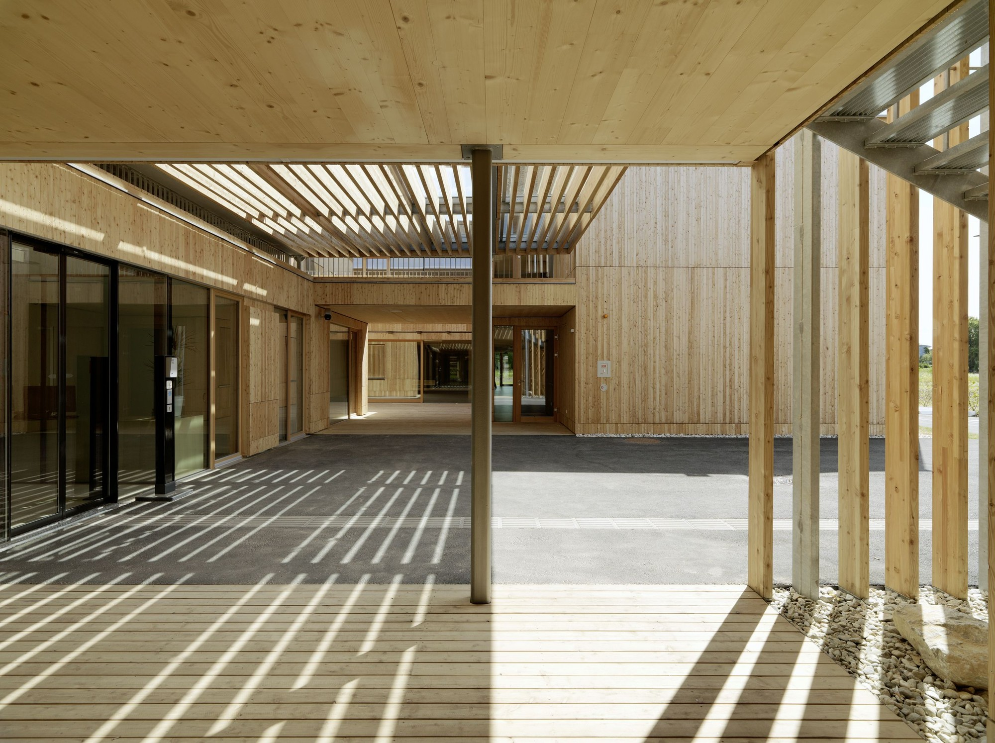 Excepcional Gallery of Peter Rosegger Nursing Home / Dietger Wissounig  CH27