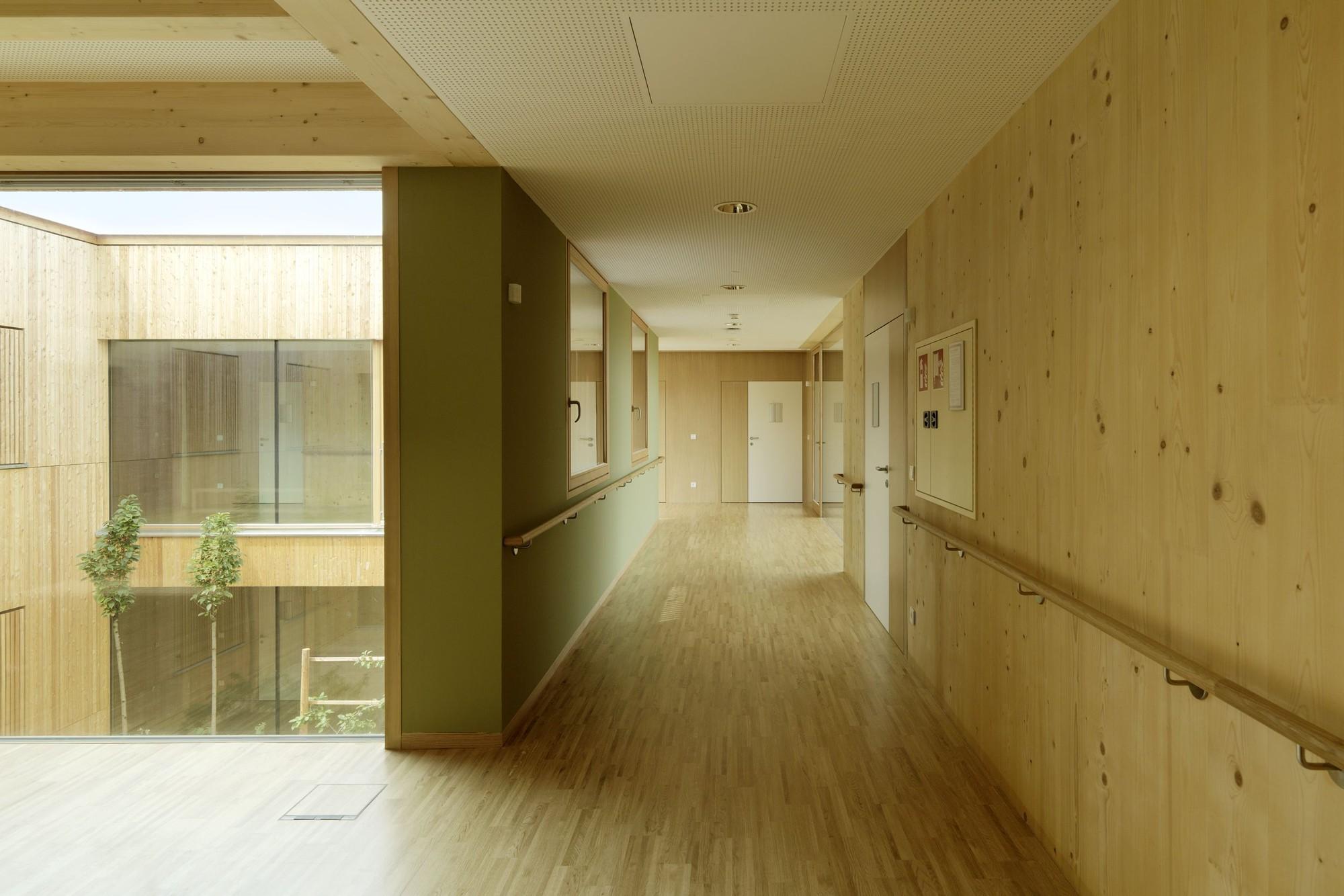 Conhecido Gallery of Peter Rosegger Nursing Home / Dietger Wissounig  OC73