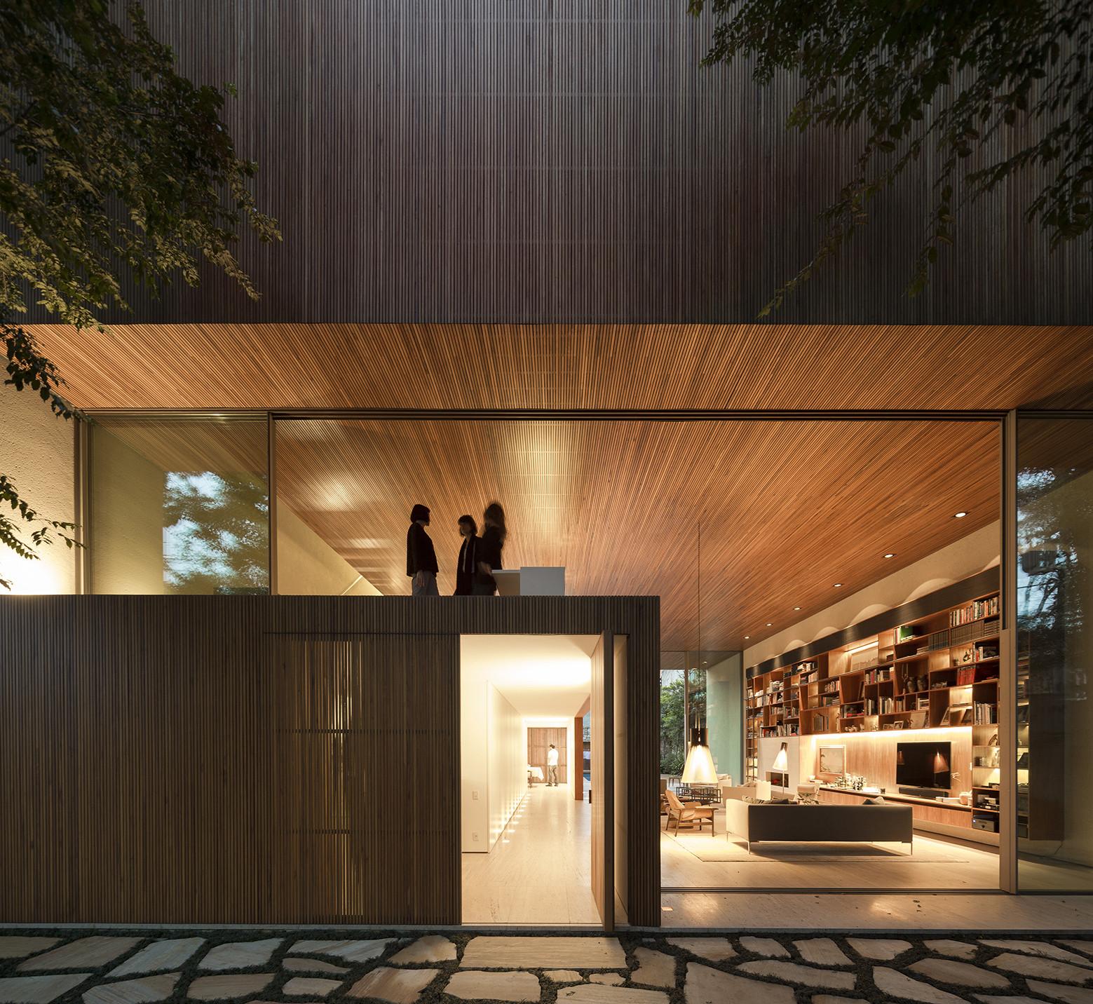 Gallery of Tetris House / Studio MK27 - Marcio Kogan