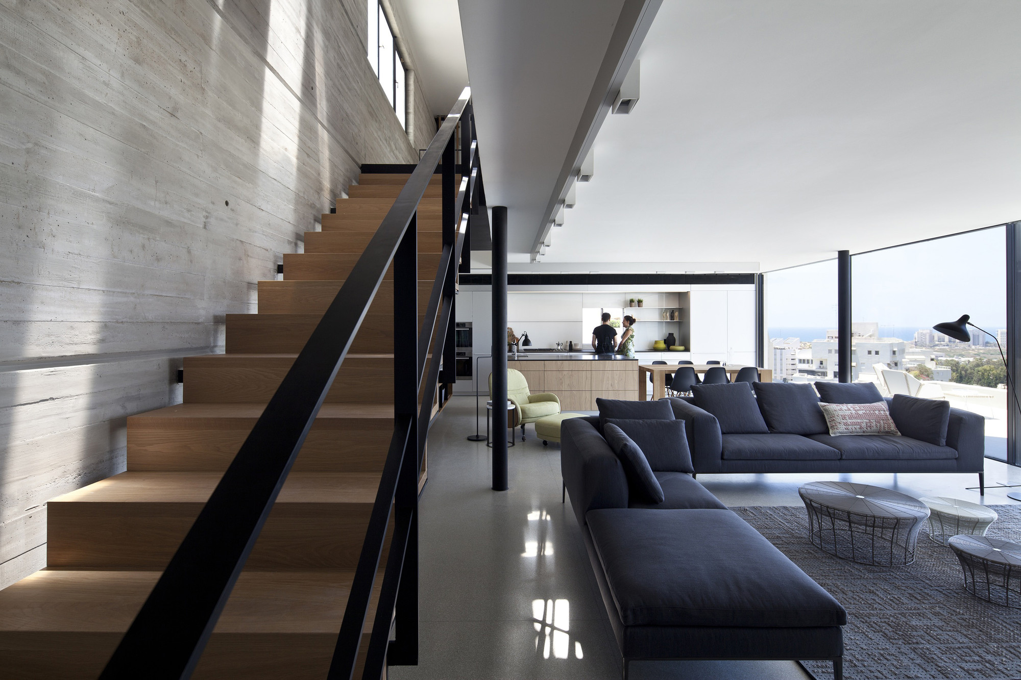 Cobertura Duplex Y / Pitsou Kedem Architects, © Amit Geron