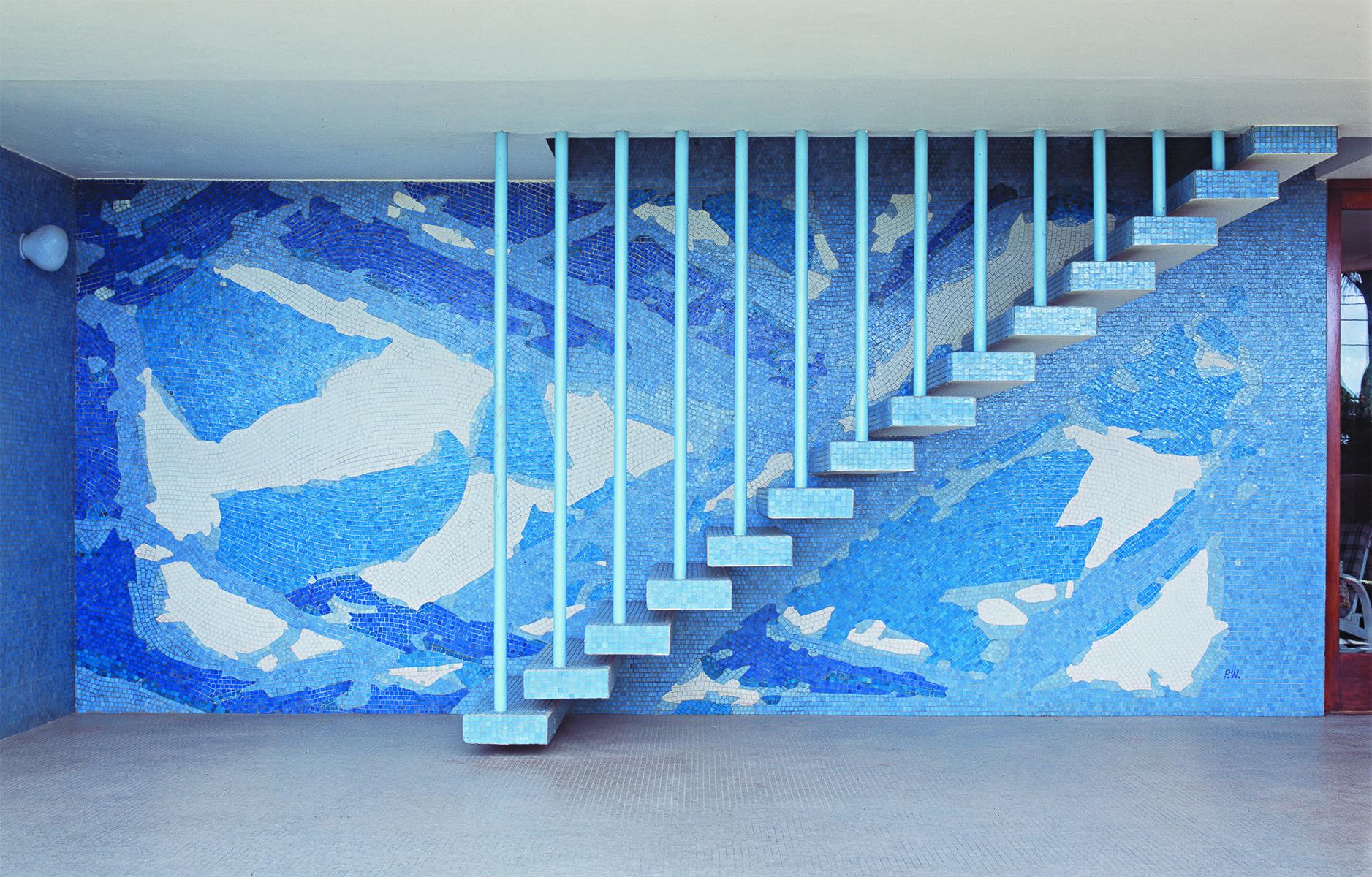 Exposição sobre o muralista Paulo Werneck em Belo Horizonte, Painel em residência em Paquetá, Arquitetura MMM Roberto, 1962, mosaico cerâmico. Cortesia de Projeto Paulo Werneck