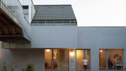 Fitting in the Protection Zone in Strebersdorf / Abendroth Architekten