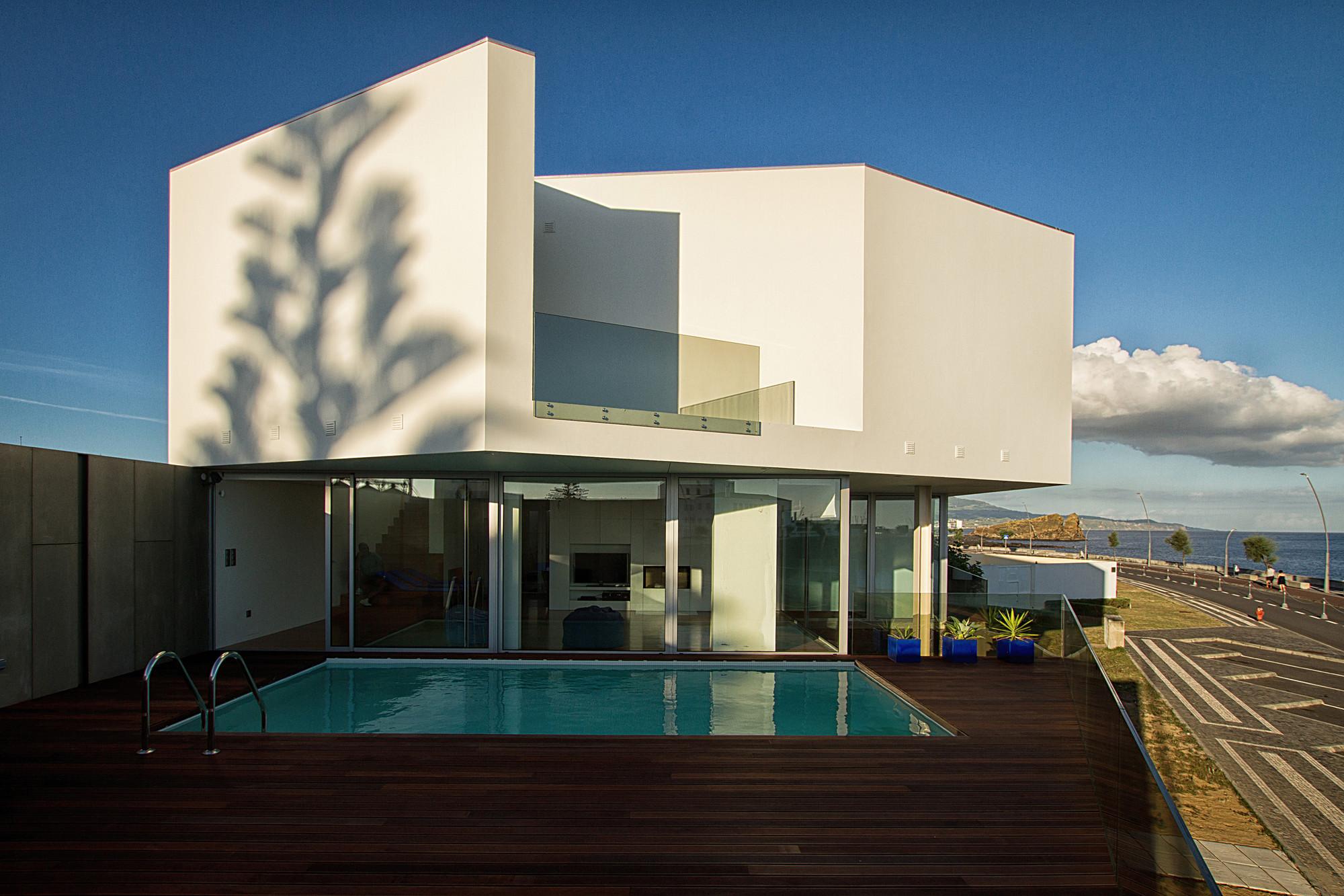 Casa en praia dos santos m arquitectos archdaily for Casa de arquitectos
