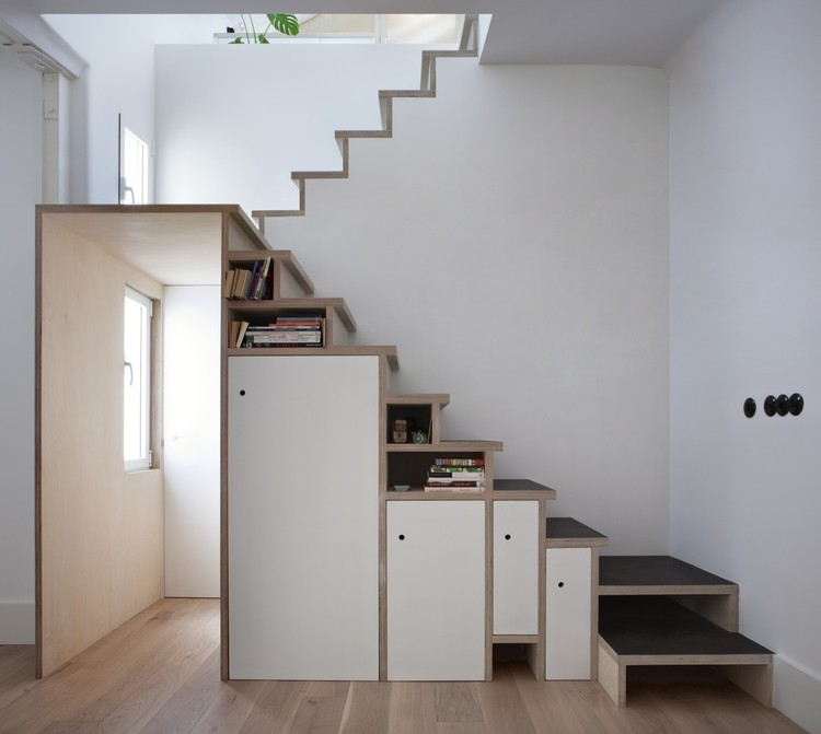 Apartamento Plywood Trio en Madrid / BUJ+COLÓN Arquitectos, © Elena Almagro