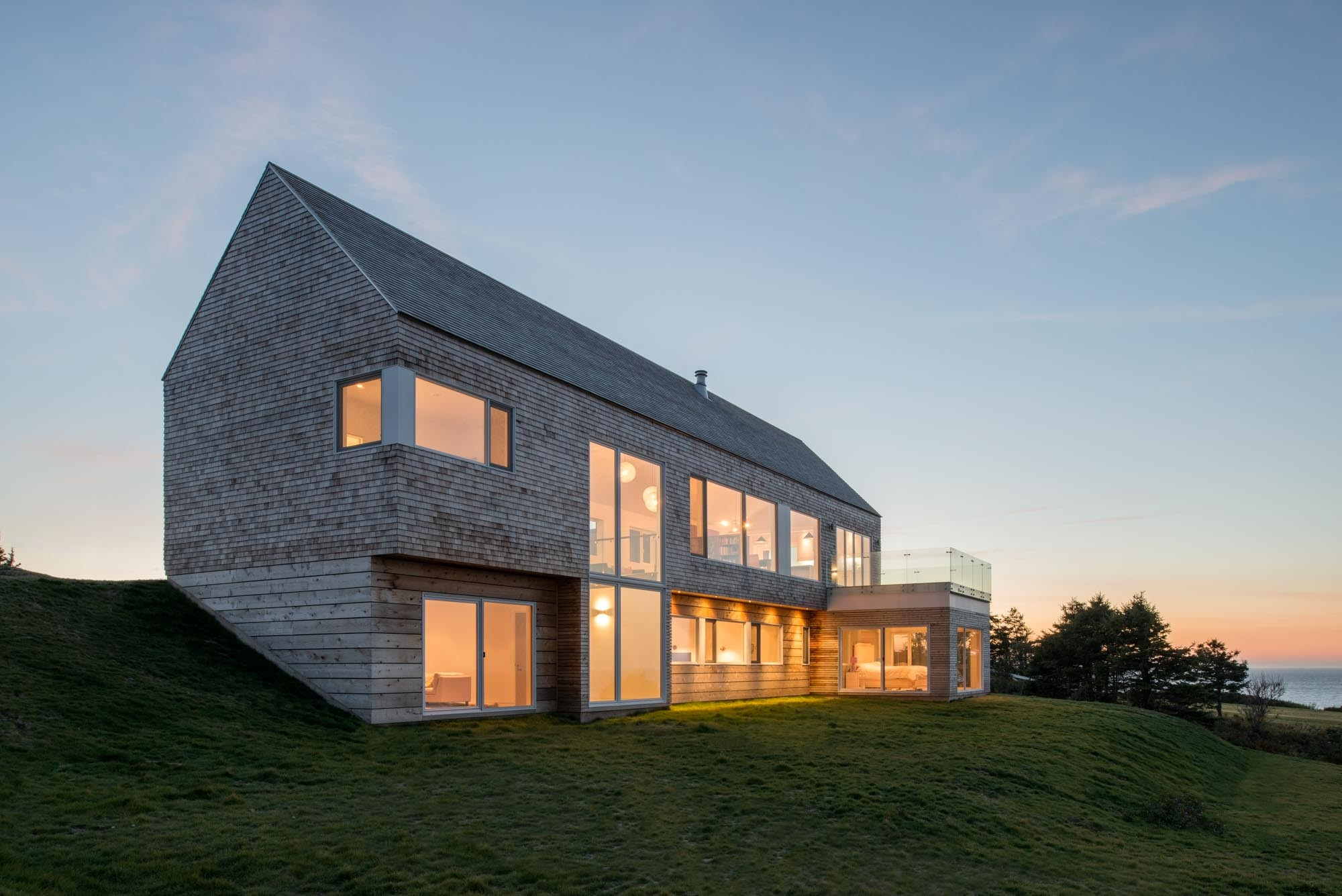 Harbour heights residence omar gandhi architect archdaily Define contemporary country