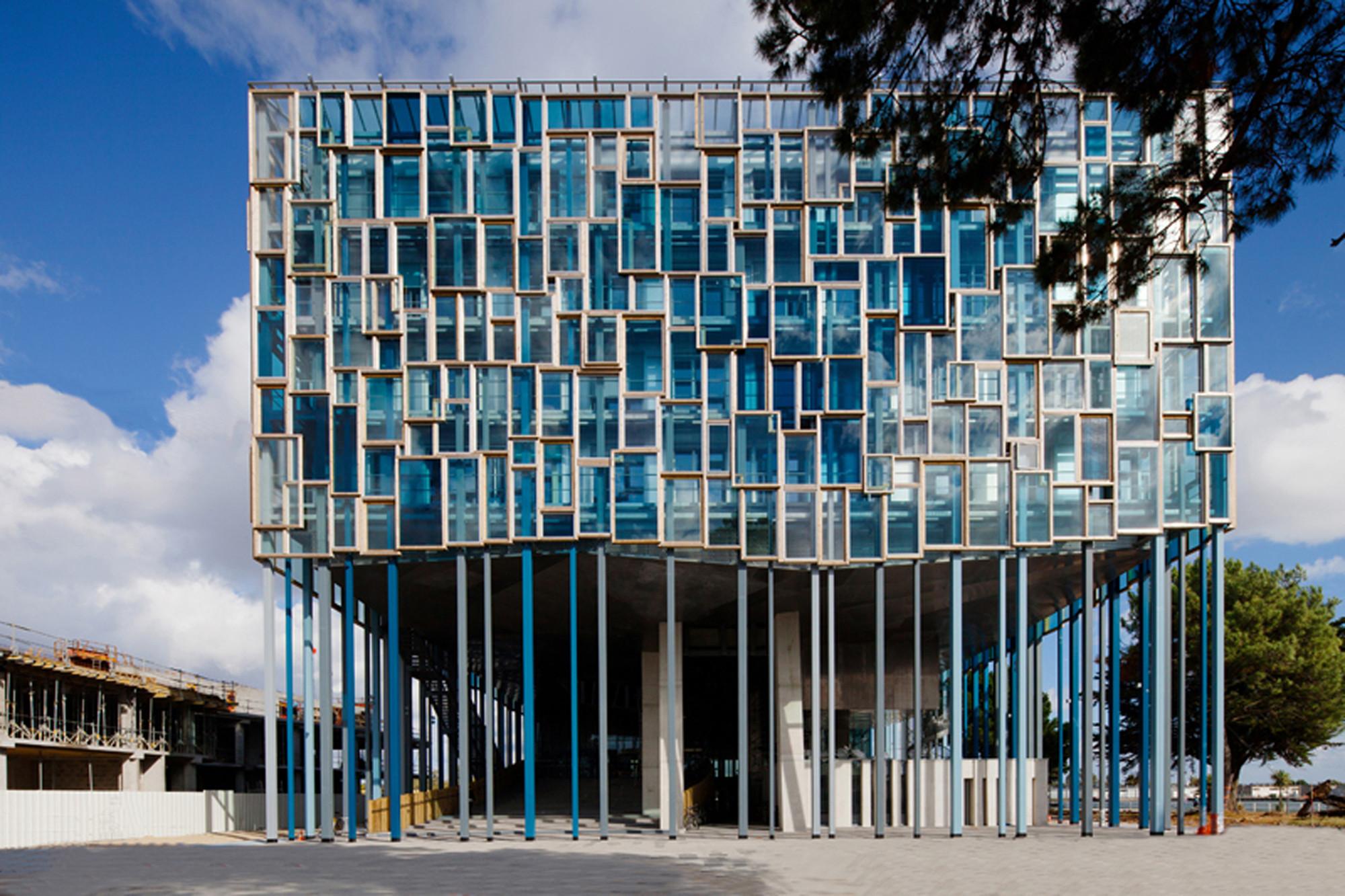 Community House of Lorient / Jean de Giacinto Architecture + Duncan Lewis Scape Architecture, © Stéphane Cuisset